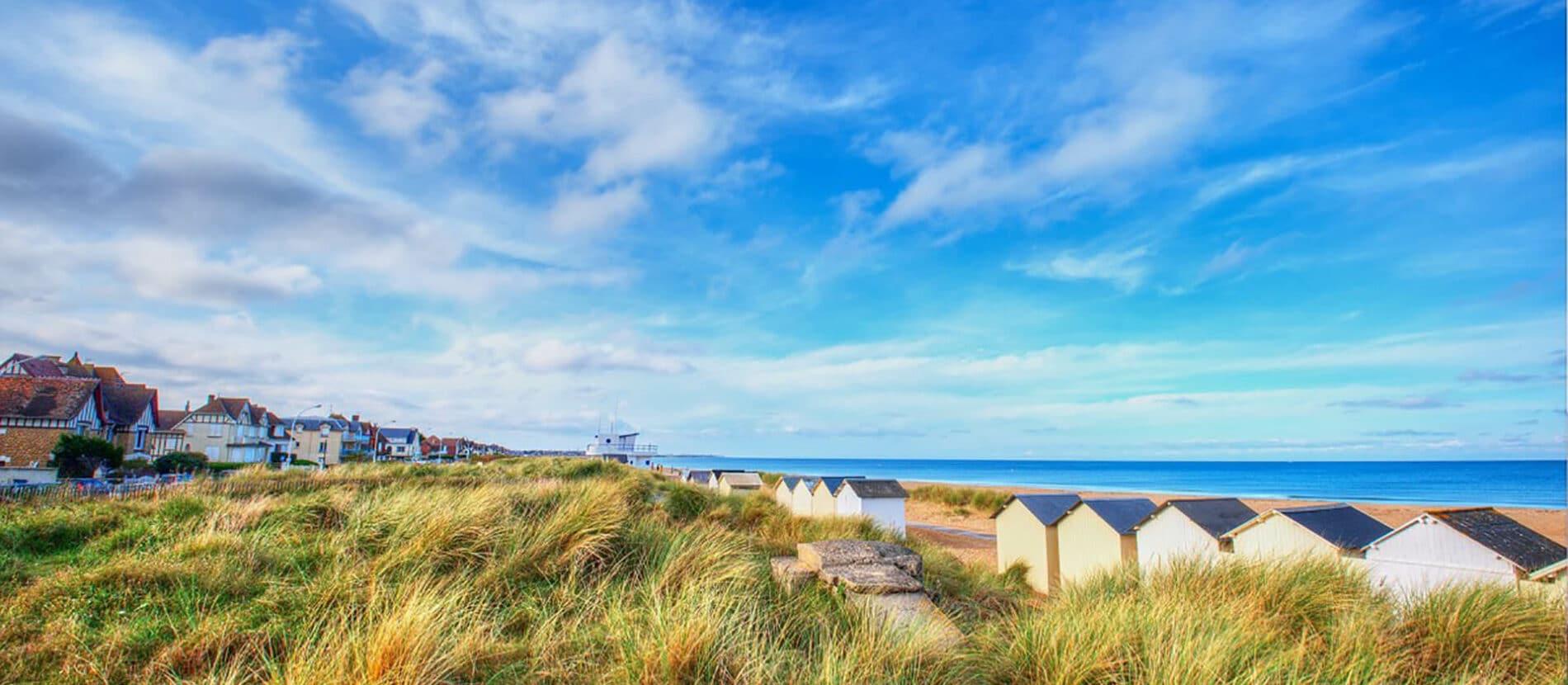 Les cabines et la plage de Ouistreham