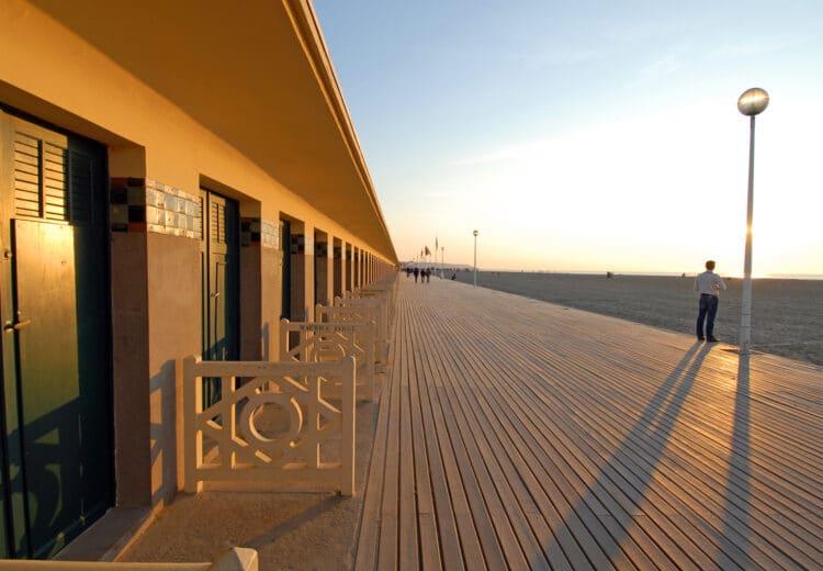 Coucher de soleil sur les planches de Deauville