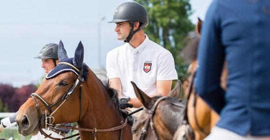 Un cavalier sur son cheval