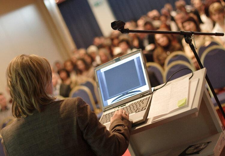 conference devant un amphi